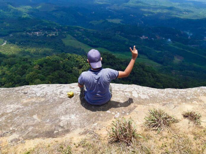 Nawugala is 1 of the beautiful mountain 'Blue mountain