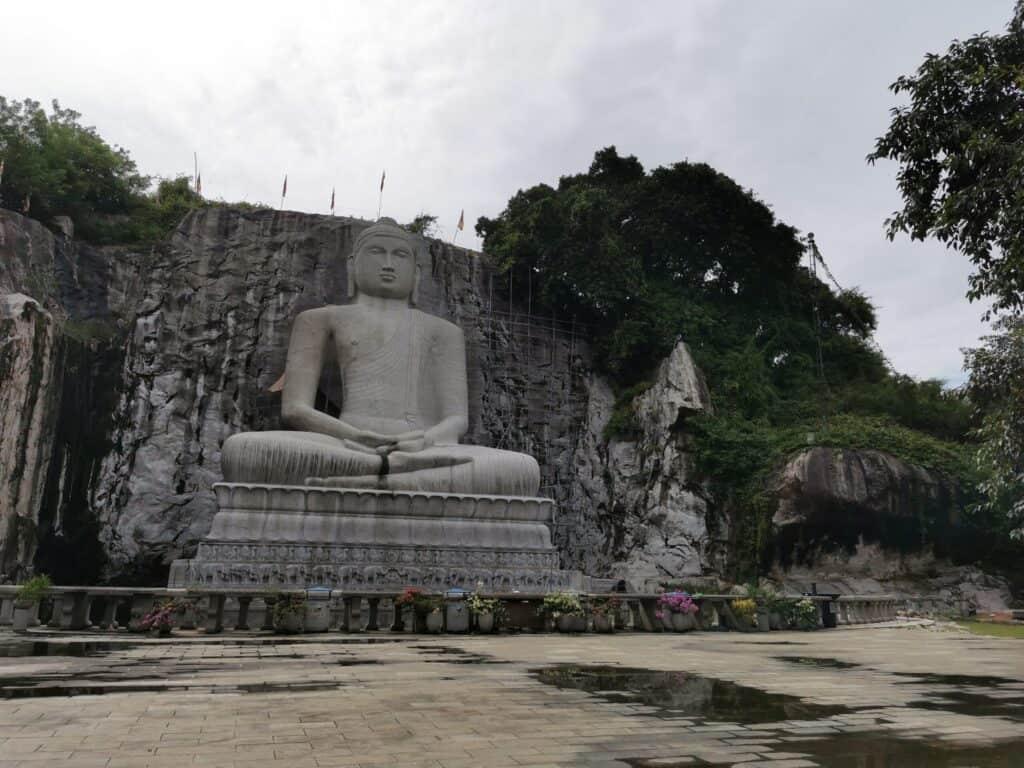 World's tallest granite samadhi buddha statue_monaragala temple