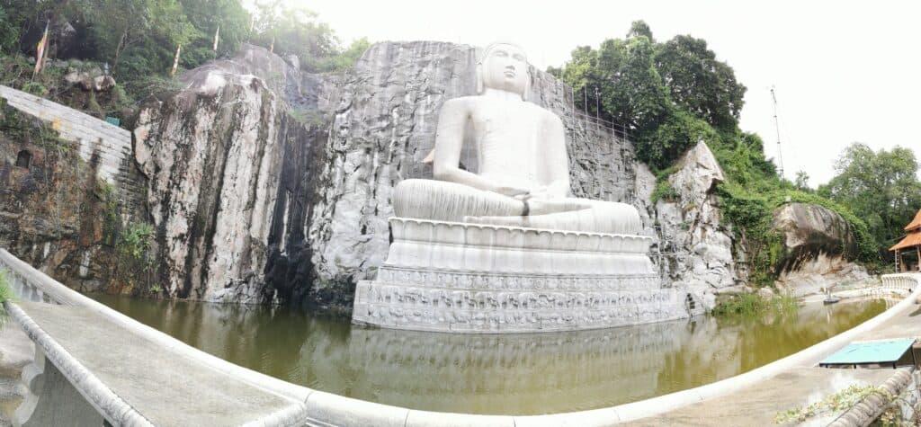 World's tallest samadhi buddha statue_monaragala temple