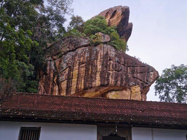 ridi viharaya_රිදීවිහාරය _temple