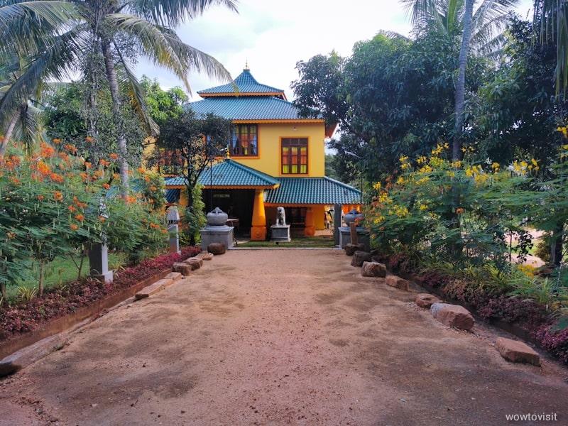 umandawa_monastery_ashramaya_malsiripura