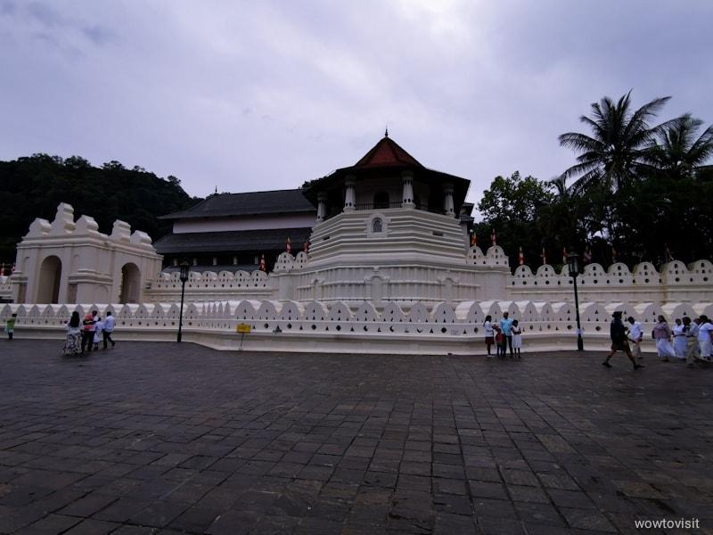 sridaladamaligawa_templeofthesacredtoothrelic_kandy