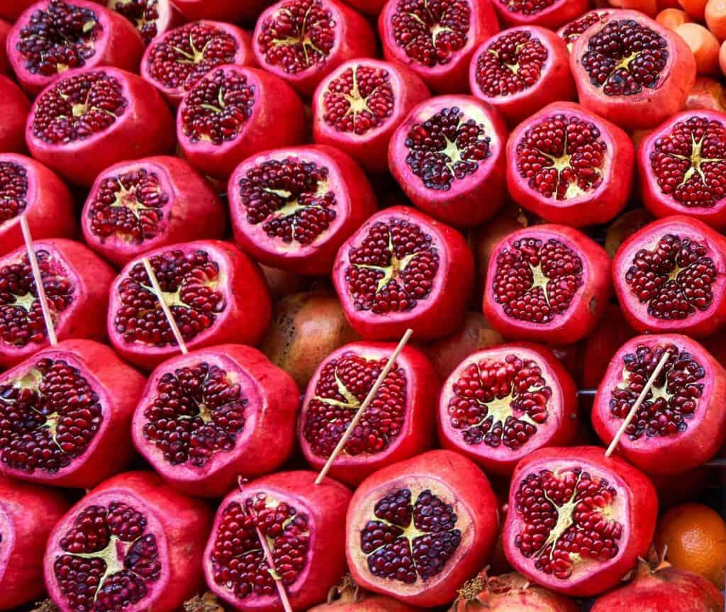 Health Benefits of 7 Unique Fruits_Pomegranate